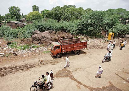 dalitdumpingground.jpg