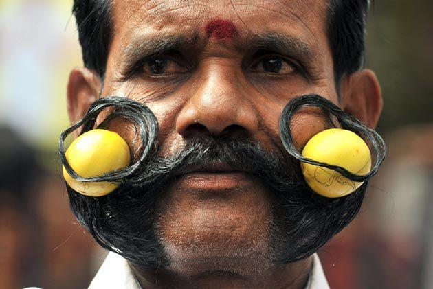 big-indian-mustache Agences Matrimoniales dans Potin, potin, quand tu nous tiens!